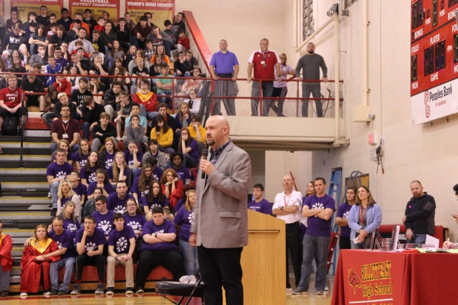 Students+gathered+in+the+gym+on+Friday+for+an+amazing+opportunity+to+hear+a+speech+from+a+blind+person.+The+speech+was+full+of+stories+and+inspiring+comments+from+college+professor+Travis+Freeman.
