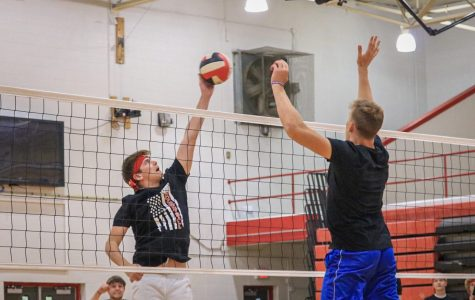 Seniors Slam Home the Win in Rocketball