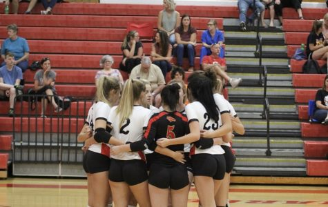 Volleyball Prepares for Senior Night