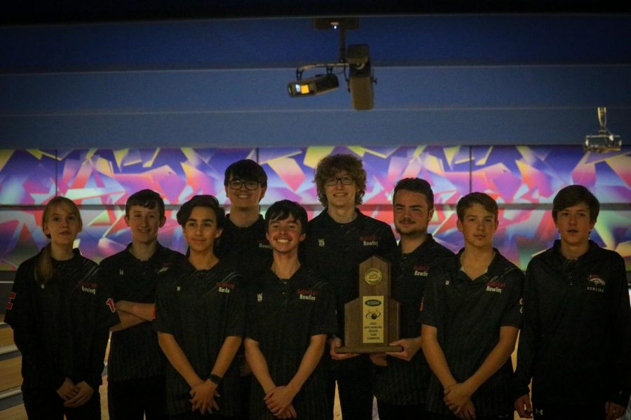 The+team+of+bowlers+that+bowled+at+the+Regionals+tournament.+Jan.+27%2C+the+Regionals+tournament+for+bowling+was+held%2C+and+after+facing+off+against+Doss+High+School%2C+DeSales+High+School%2C+Fairdale+High+School+and+finally+North+Bullitt+High+School%2C+Bullitt+East+was+declared+the+champion.+%E2%80%9CSo%2C+we+did+get+it+going+against+Doss.+Kids+were+a+little+tight+against+DeSales%2C+but+man%2C+they+took+care+of+business%2C+and+once+we+did+that%2C+I+felt+like+we+had+a+really+good+chance+to+qualify+for+the+state+tournament%2C+and+win+the+region.+Fairdale+gave+us+everything+that+we+could+handle%2C+but+we+just+came+out+on+top%2C+by+just+a+little%2C+and+then+North+Bullitt%2C+we+had+pretty+well+handled+them+this+season%2C+and+I+feel+like+our+confidence+was+very+high%2C+against+them%2C%E2%80%9D+said+bowling+coach+Lenny+Raley%2C+%E2%80%9CDylan+%28Young%29%2C+all+season+long%2C+has+just+been+the+anchor%2C+and+I+call+him%2C+%E2%80%98The+ice-man%2C%E2%80%99+because+he+has+ice+in+his+veins%2C+and+it+doesn%E2%80%99t+affect+him.+You+know%2C+he%E2%80%99s+just+solid%3B+ice+is+solid%2C+and+he+is+solid.+So%2C+I%E2%80%99m+just+smiling+thinking+about+it%2C+and+I%E2%80%99m+very+happy+for+our+kids.%E2%80%9D+