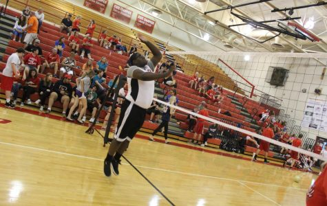 Bullitt East Boys Take on Volleyball