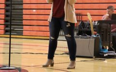 """Freshman Leighanna Clark performs """"When I Was Your Man"""" by Bruno Mars."""