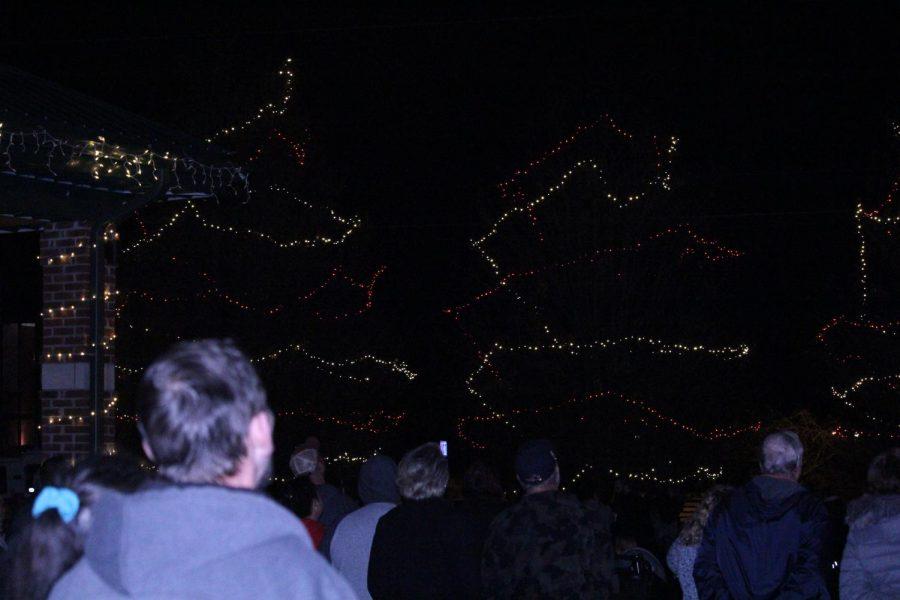 Community Enjoys Light Up Mount Washington Festivities